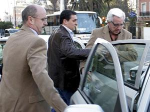 Detienen al jefe de tr fico de huelva por falsificaci n de - Jefatura provincial de trafico madrid ...
