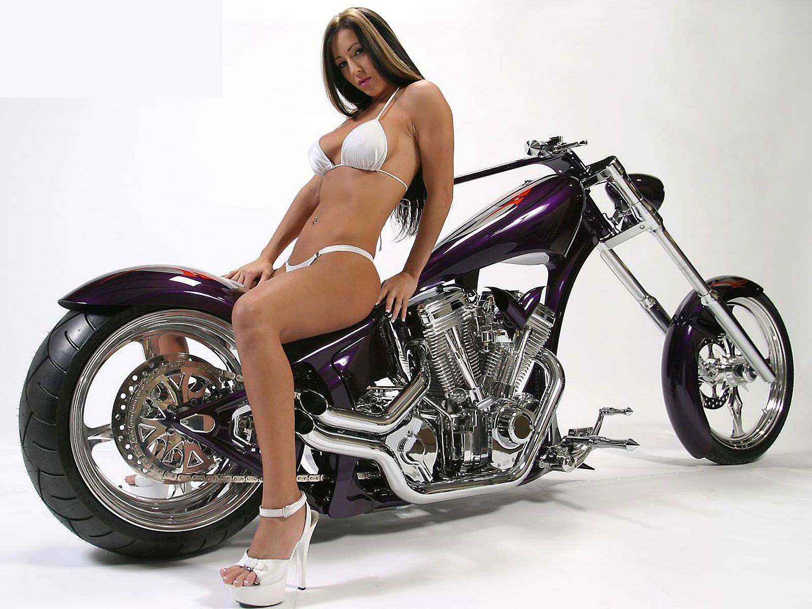 sexy girls on motorbikes
